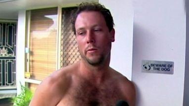 Australiano navegava sozinho quando sofreu acidente; ele nadou 5 km