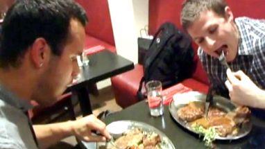Restaurante de influência texana propõe o desafio e isenta o ganhador de pagar a conta de 39 euros