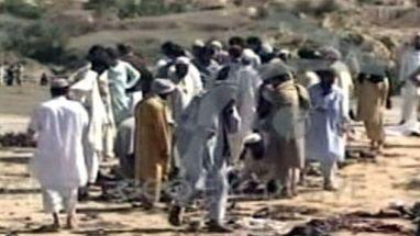 Ataque suicida matou mais de 30 pessoas no Paquistão