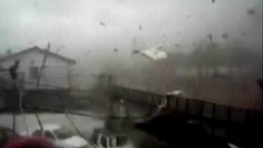 Tempestade incomum na cidade chilena de Villarreal assusta a população e chega com ventos de até 170 km/h