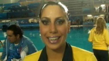 Atleta do nado sincronizado fala sobre a pressão que a torcida da casa colocou na equipe