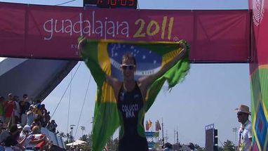 Brasileiro supera americano, vence Triatlo com tempo de 1:48min02seg e conquista mais um ouro para o Brasil