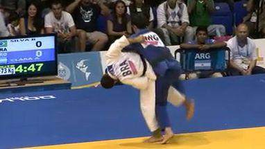 Bruno Mendonça aplicou um  ippon com apenas 17s de luta e conquistou a medalha de ouro para o Brasil