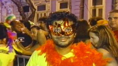 Ruas da Lapa ficaram lotadas até a madrugada; festa também conquistou e encantou os turistas