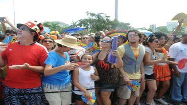 Nada menos que 60 mil foliões, de acordo com a RioTur, foram ao Aterro do Flamengo, na Zona Sul do RJ