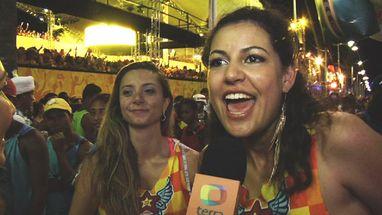 """""""Axezeiro que é axezeiro vai no chão"""", festeja garota em Salvador"""