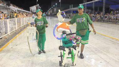 Carnaval em Florianópolis tem bloco dos garis; veja