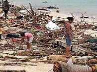 Terremoto provocou tsunami que matou 148 pessoas nas ilhas da Oceania. Foto: AFP